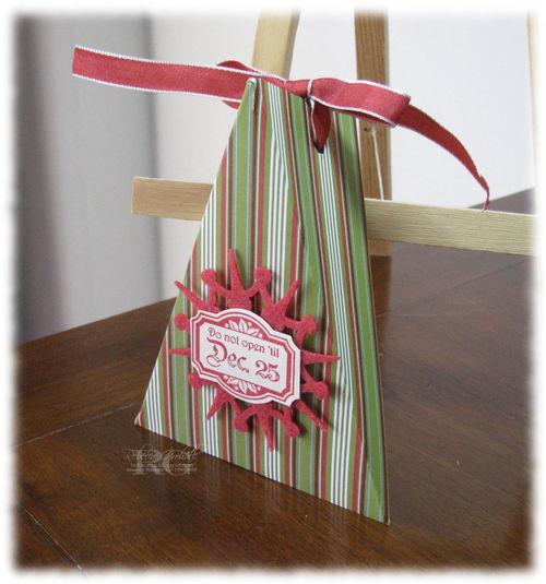 Cakebox_holidaytreasuresSTRIPE